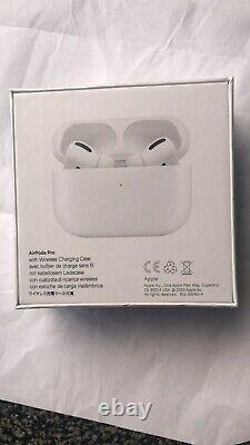 Apple AirPods Pro with Wireless Charging Case Active Noise Cancellation